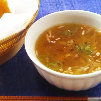 レタスクラブの簡単料理レシピ ごぼうの歯ごたえを楽しむスープ「ごぼうとベーコンのスープ」のレシピです。
