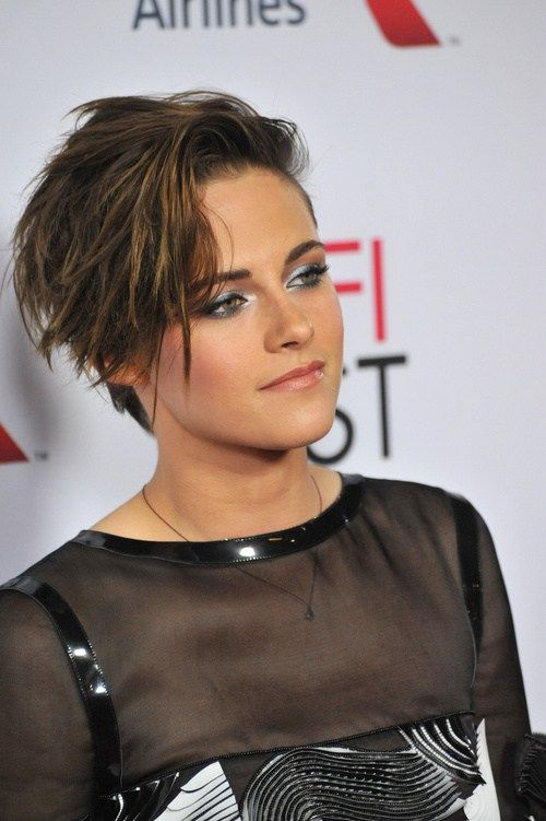 Kristen Stewart short choppy hairstyle / asymmetrical edgy hairstyle with statement bangs