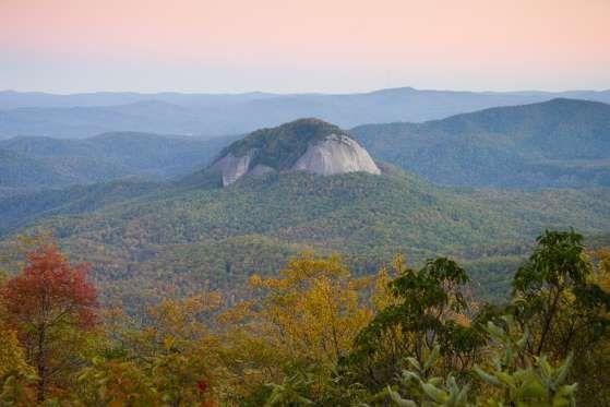 Pisgah National Forest, Carolina do Norte: É lá que está localizada a famosa Glass Rock! - Shutterstock