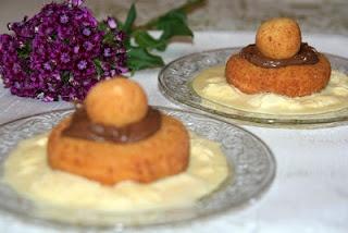 http://miremirc.blogspot.ro/2012/05/papanasi-din-branza-de-vaci-prajiti.html