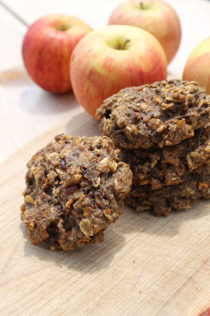 Apple Pie Breakfast Cookies. Sweetened with only dates and maple syrup!