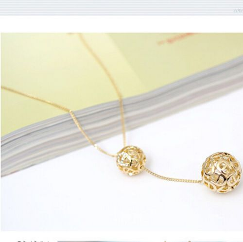 Hot Classic Crystal Hollow Out Two Ball Rhinestone a Long Section of High Texture Flash Spher 18K Gold Plated Necklace