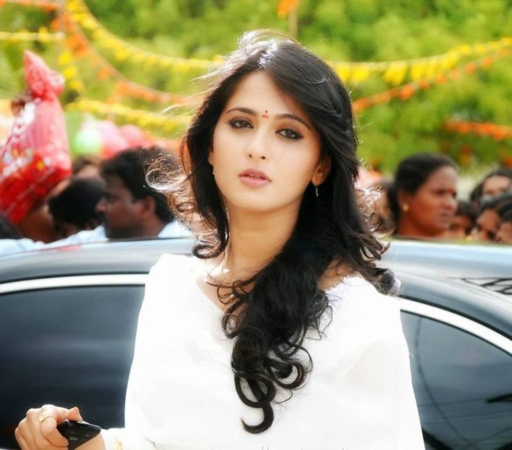 Mind blowing facts about Aushka shetty Actress and model in Telugu and Tamil films industry.Biography,Video songs,Hot gallery,Watch Movie Online.