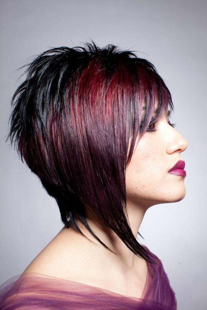 Idée Coiffure :    Description   coiffure cheveux courts aux bouts effilés en couleur noir et bourgoundi    - #Coiffure https://madame.tn/beaute/coiffure/idee-coiffure-coiffure-cheveux-courts-aux-bouts-effiles-en-couleur-noir-et-bourgoundi/