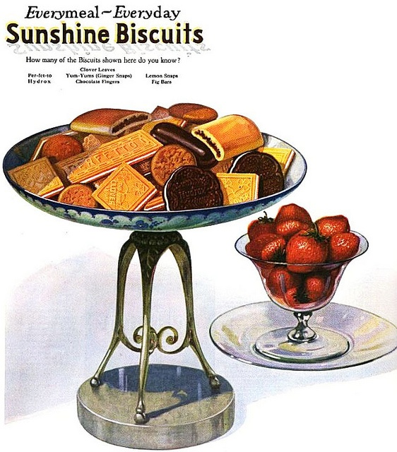 A very inviting selection of Sunshine Biscuits from 1921.