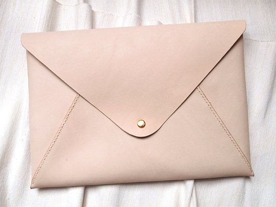 Personalized 13 Macbook Air/Pro Case in Envelope Clutch - Leather - Nude - Hand Stitched