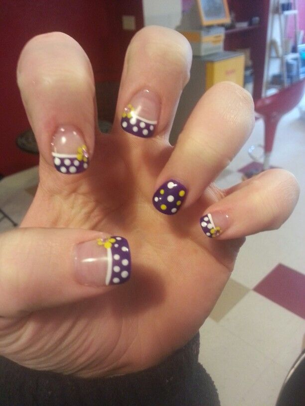 Purple polka dot summer nails