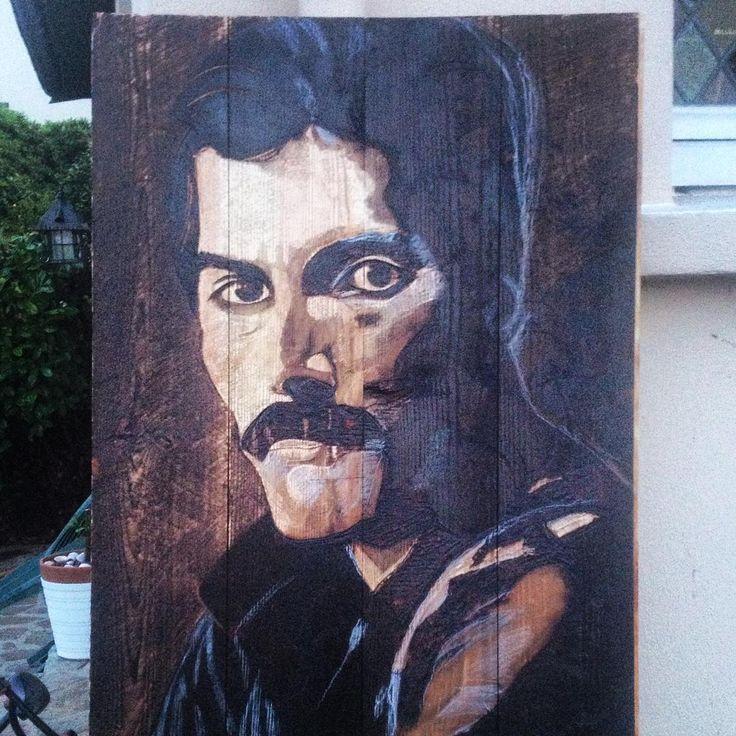 Freddy Mercury Brulure et gravure sur bois