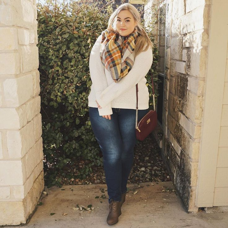 """""""In the Pumpkin Patch New OOTD (with links to EVERYTHING) is up now! Use the link in my bio to watch #loeylane"""""""