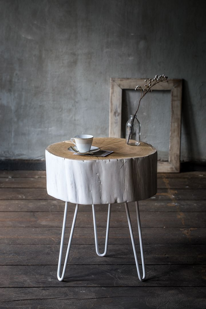 WHITE TRUNK COFFETABLE