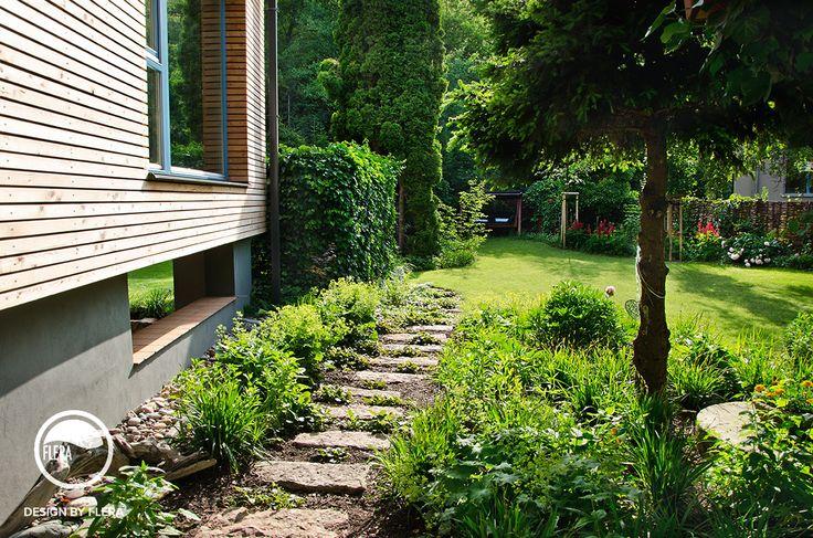 Záhradný chodníček