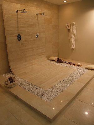 une douche originale pour une salle de bain originale le bois et les pierres apportent le. Black Bedroom Furniture Sets. Home Design Ideas
