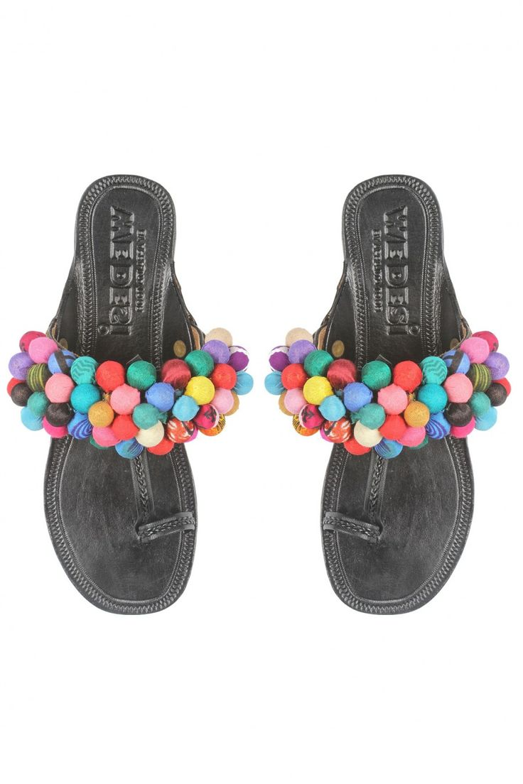 #perniaspopupshop #aprajitatoor  #footwear #shopnow #happyshopping