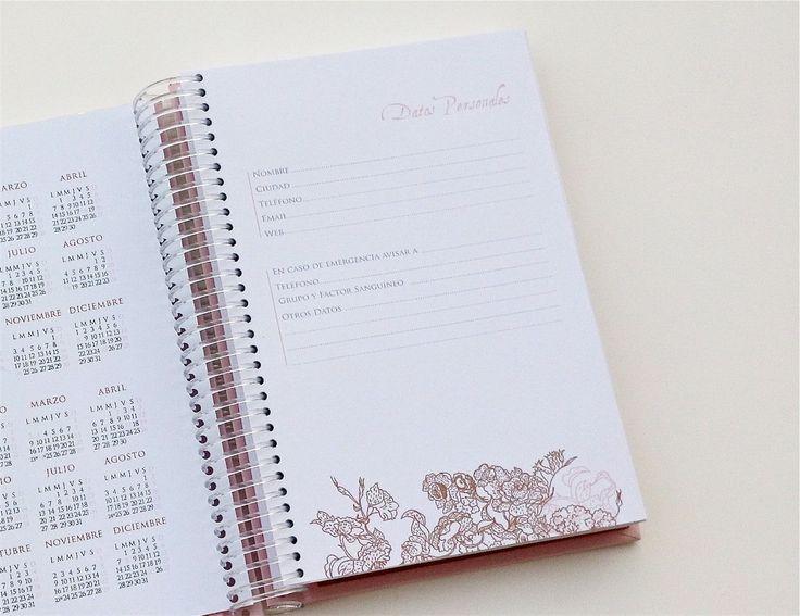 En la hoja de Datos Personales podés completar info útil en caso de pérdida o emergencia. También incluye calendario 2014 y 2015 con feriados. http://www.milibrodefirmas.com