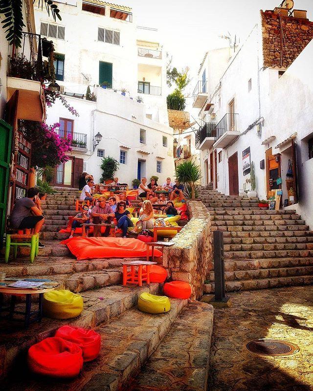 🌎Il vero viaggio di scoperta non consiste nel cercare nuove terre, ma nell'avere nuovi occhi.🛩😉 (Marcel Proust) Follow 🌶@spicy_kata_food  Follow 🛩@jim_spicy_life . . . . . . . #ibiza #spagna #spain #espana #viaggiare #vloggando #viaggio #turistapercaso #turista #couplegoals #fun  #holiday  #igtravel  #instago  #instagood  #instatraveling  #instatravel  #instapassport  #mytravelgram  #photooftheday  #travel  #tourist  #tourism  #TFLers  #travelgram  #traveling  #travelingram  #visiting…