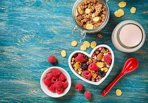 朝食にシリアルを食べている方はいらっしゃいますか?手軽だしおいしくて食べやすいですよね。では、ミューズリーはご存知ですか?これもシリアルの仲間なのですが、美容と健康にぴったりの食べ物なんです。ミューズリーの情報をいろいろと調べてみましたのでぜひ参考にしてください。