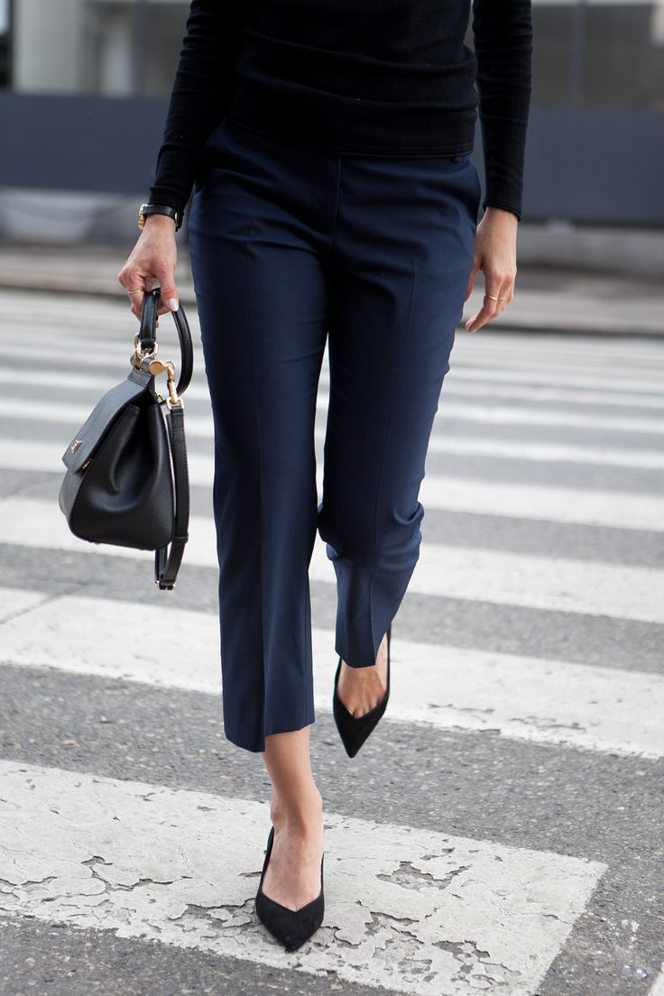 Fall Style Ideas. Cropped flare trousers, black turtleneck, pointed-toe flats.