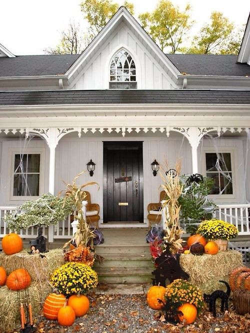 Can't wait for the Halloween when our place can look like this.