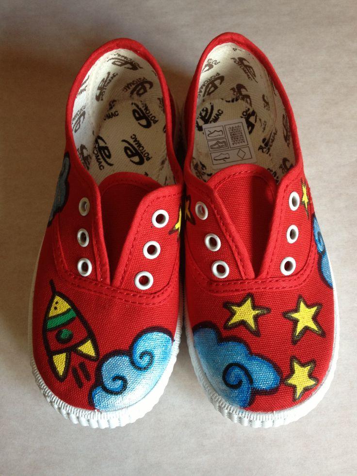 Zapatillas infantiles pintadas a mano de colores flores zapatillas pinterest children - Flores de telas hechas a mano ...
