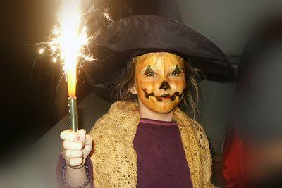 DIY Pumpkin Costume | Your Costume Idea for Halloween, Mardi Gras and Carnival