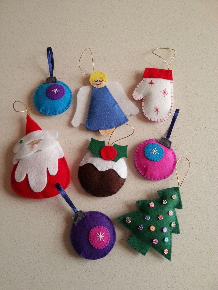 ornamentos navideños de fieltro