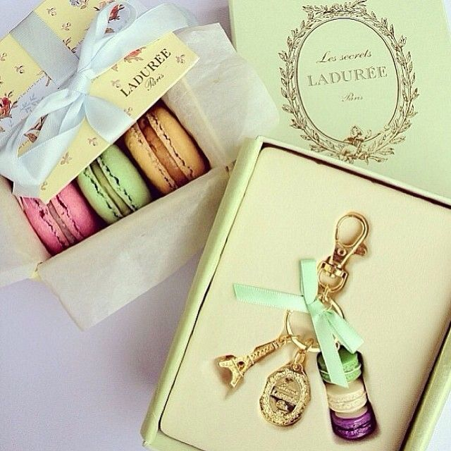 Ladureè Paris macaroons & keyring, I need the keyring!