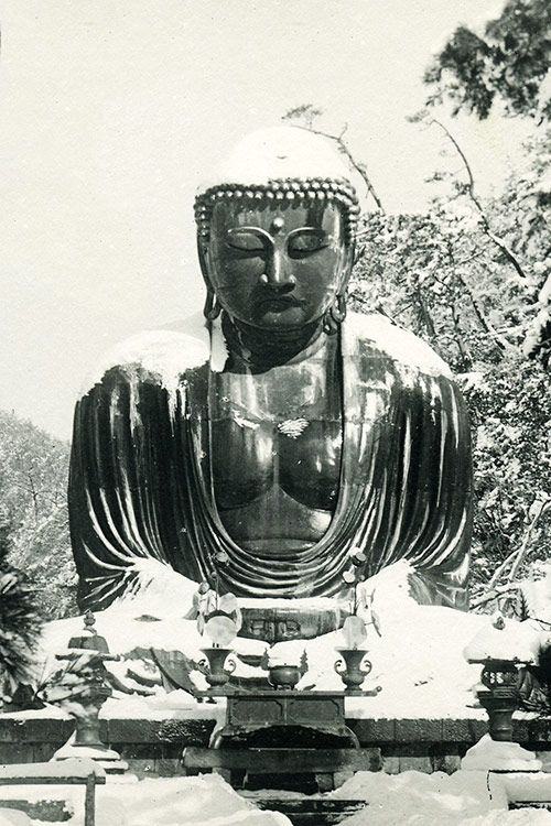 The Great Buddha statue in Kamakura, Japan: It is a bronze statue of Amida Buddha with a height of 13.35 meters, and is one of the largest Buddha statues in Japan. The construction of the statue completed in 1252, and it was originally located inside a large temple hall. However, the temple buildings were destroyed multiple times by typhoons and tidal waves in the 14th and 15th centuries, and since 1495, the Buddha has been standing in the open air.