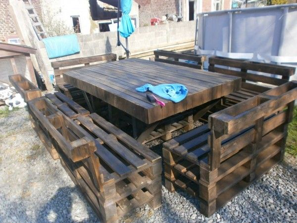recycle and repurpose pinterest | Here is a creation of an entire outdoor dining set. It's massive but ...