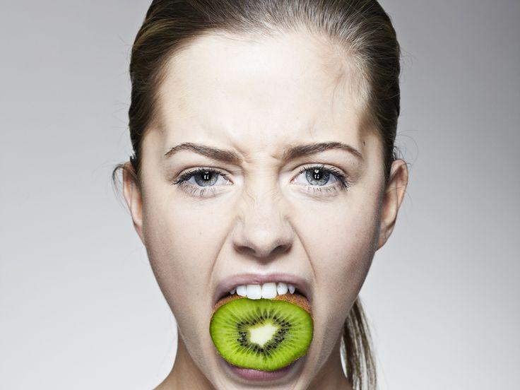 Alcuni tra gli alimenti più saporiti come il cioccolato, il caffè, il latte, il gelato o le patatine fritte sono assolutamente da evitare nelle situazioni di ansia: ecco perché