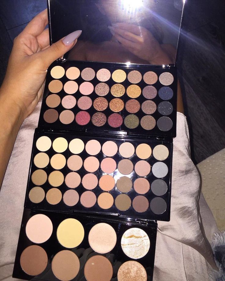 Makeup Revolution contour palette & flawless matte eyeshadow palette