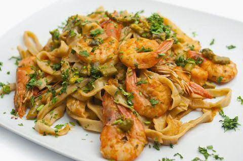 Ik kook graag!: Recept: Tagliatelle met scampi en Boursin.