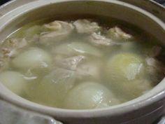 門外不出の水炊きスープ  職人曰く、 水炊きは水でなく 、みずみずしくて味なスープで炊くそうデス♪  ☆おかげ様で2010.11.14に話題入り♪