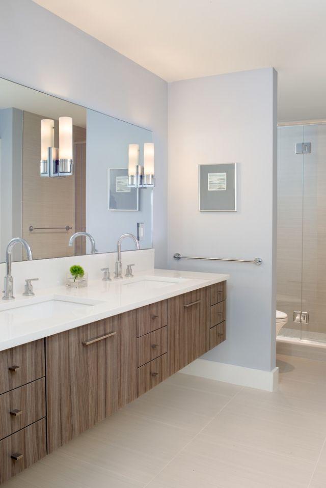 Badezimmer Ohne Fliesen Farbe Pastellblau Holz Waschtisch Unterschrank