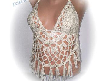 Artículos similares a Mujeres en Bikini, bikiní del ganchillo, Crochet Backless Sexy Bikini Top, tapa del Halter del ganchillo del cultivo, cultivo corpiño mujer, las mujeres trajes de baño de ganchillo en Etsy