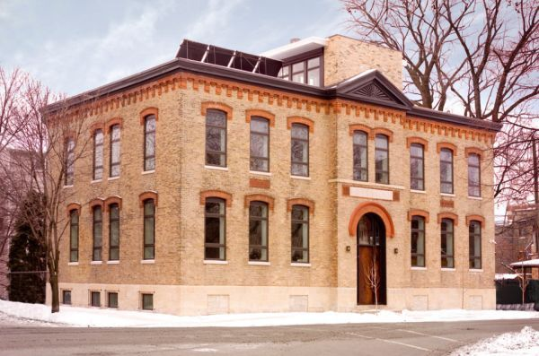 Schoolhouse turned into private home in Chicago