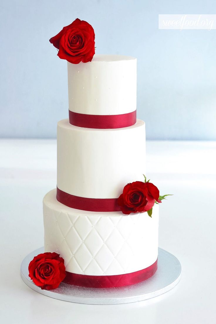 Wedding cake white and red