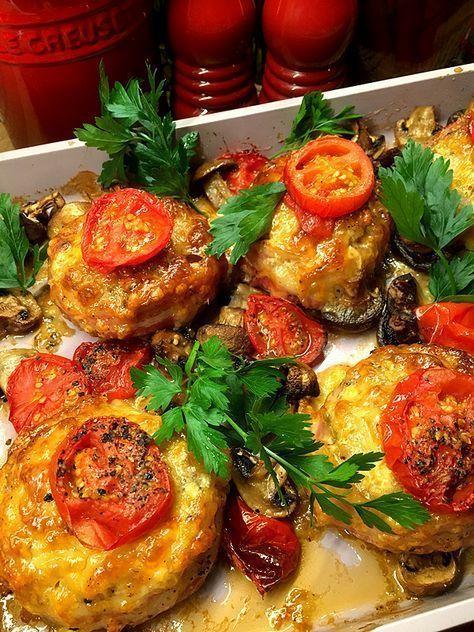 Baconlindade köttfärsbiffar med mozzarella, tomat och champinjoner   Kryddburken   Bloglovin'