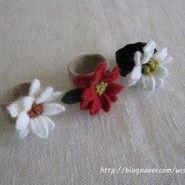 꽃수놓아 만든 리넨 반지를 검지에 끼고 바느질을 하면,여자라서 행복하죠...?! 그러는 것 같습니다. ㅎㅎ...