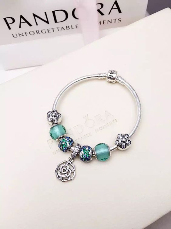 493 best Pandora Bracelet Designs images on Pinterest ...