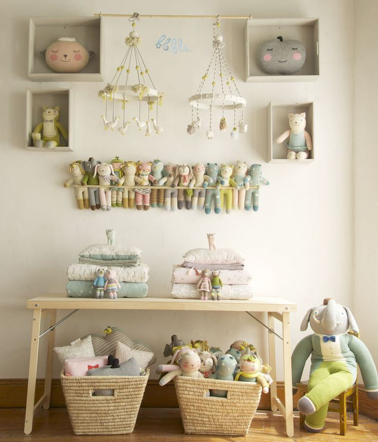 #blablakids #display Put bulkier things below the table to keep the look clean and modern.