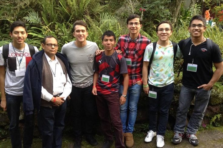 En excelente posición se encuentra la delegación michoacana, integrada en su mayoría por alumnos de la UMSNH, durante la fase teórica de la XXVI edición de la Olimpiada Nacional de ...