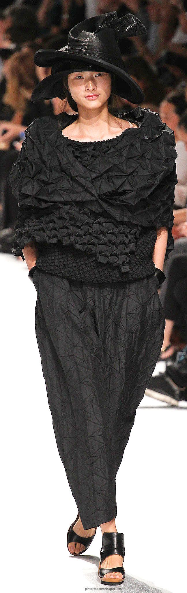 Spring 2015 Ready-to-Wear Issey Miyake Love the fabric treatment but even this model looks BIG!