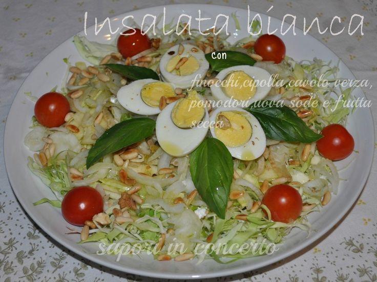 Insalata bianca con finocchi,cavolo verza,cipolla,uova sode e frutta secca