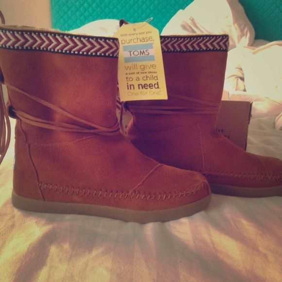 TOMS Boots! Brand new IN BOX! Adorable! TOM boots size 5.5. Women's. Beautiful boots with tags and in box! TOMS Shoes
