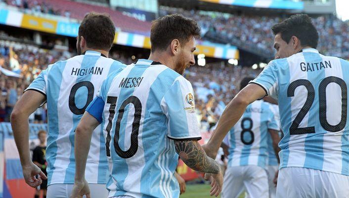 Аргентина и Чили уверенно шагнули в 1/2 финала Кубка Америки