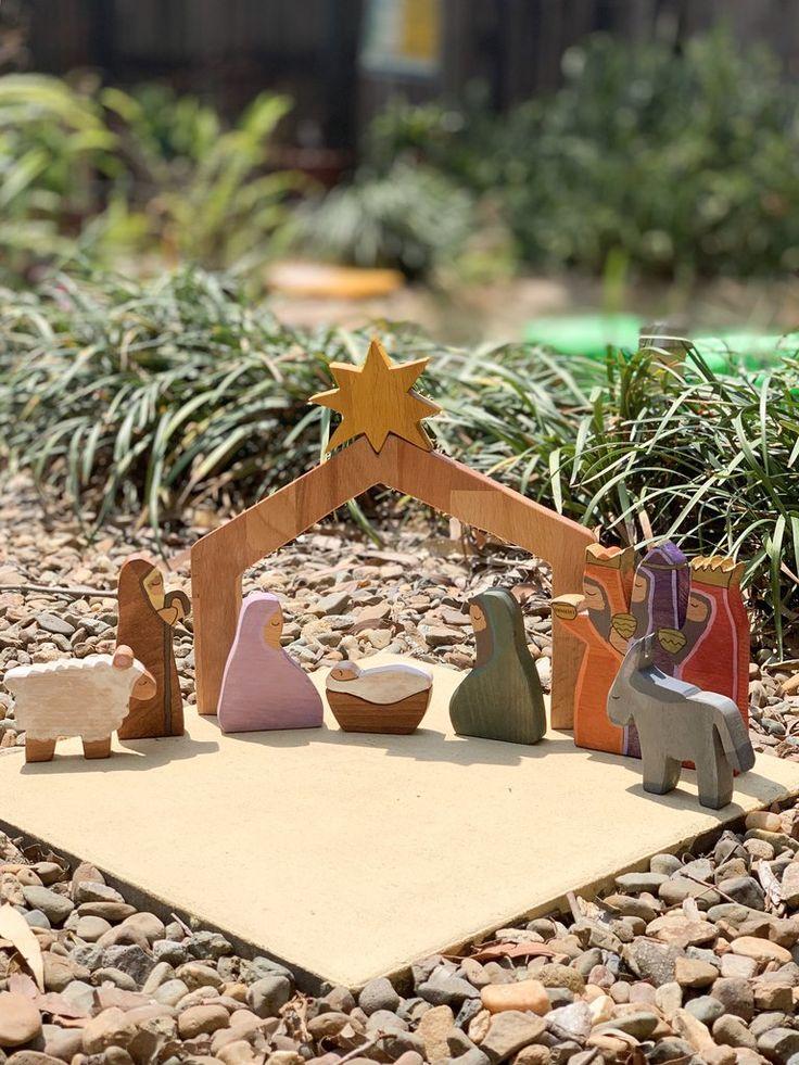 Wooden Nativity scene Diy nativity, Christmas crafts