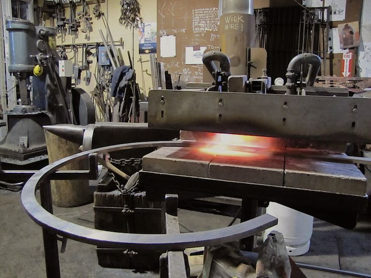 #gasforge #shaping #bronze #blacksmith #shop #markpuigmarti - mark puigmarti