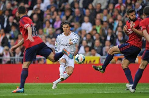 Piękny gol Cristiano Ronaldo • Real Madryt vs Osasuna Pampeluna • La Liga • Primera Division • Zwycięska bramka Cristiano Ronaldo >>