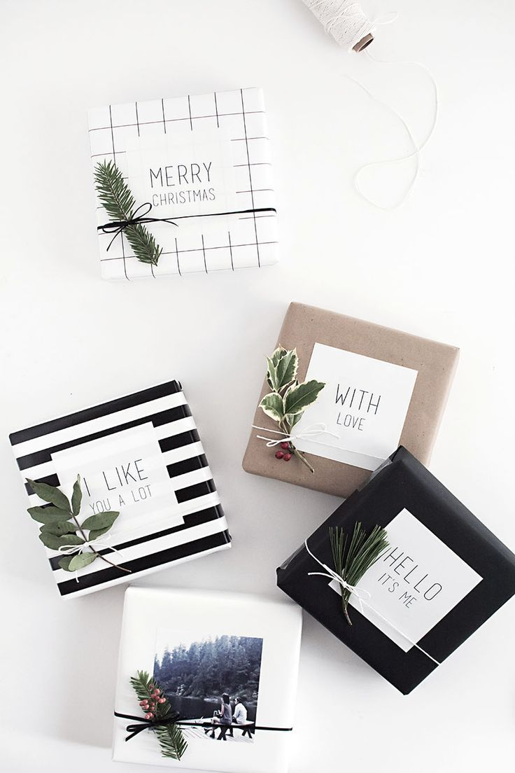 Beautiful, minimalist Christmas gift wrapping idea.