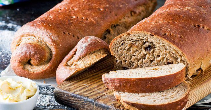 Lättbakat, saftigt och välsmakande – recept på vörtbröd fyllt med russin och fikon!